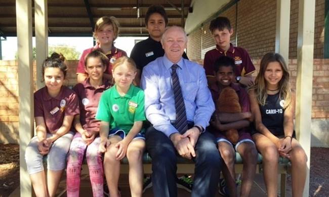 Photo image - Commissioner Colin Pettit with students at Leonora School - regional visit - April 2017.JPG