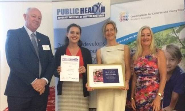 Commissioner Colin Pettit and WALGA Vice President Tracy Roberts with Shire of Kalamunda award winners Alison Harpin and Lucy Mills